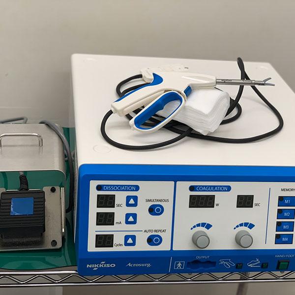 外科手術用マイクロ波デバイス(アクロサージ)